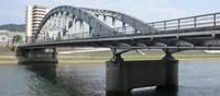 歴史的鋼橋の耐震補強設計(御成橋)